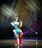 Abbraccio---Danza popolare della Mongolia Fotografie Stock Libere da Diritti