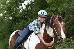 Abbraccio del cavallo Fotografie Stock