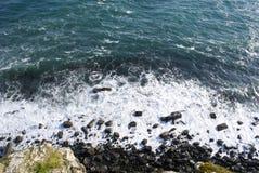 Abbrechende Wellen stockbild