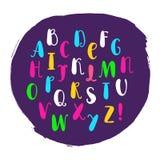 在概略样式的coloful字母表 导航手写的铅笔信件,数字图片