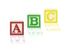ABC-Alphabetblöcke und -bilder Stockbilder