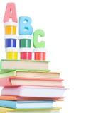 ABC de las letras y pila de libros Foto de archivo libre de regalías