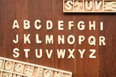 ABC de madera pone letras a alfabeto Fotografía de archivo