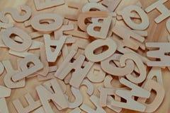ABC de madera pone letras a alfabeto en el de madera Fotografía de archivo libre de regalías