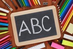ABC på en blackboard eller en svart tavla Royaltyfri Foto
