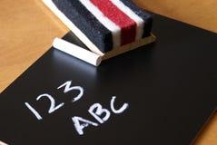 123 abc på en svart tavla Royaltyfri Foto