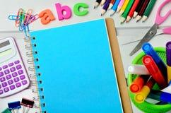ABC redacta Accesorios de la escuela del objeto Imagenes de archivo