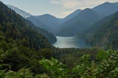 Abchazië De zomer van Riza van het Gornoemeer Stock Foto
