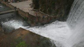 Abchazië, Nieuwe Athos 10 de Waterval van Januari 2017 in nieuwe Athos stock videobeelden