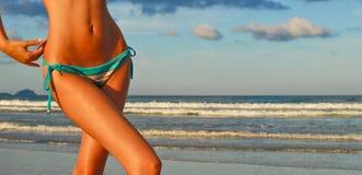 Abdomen de bikini image stock