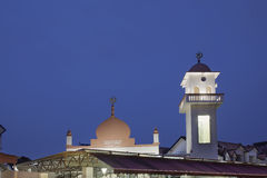 Abdul Razak Mosque en la hora azul Fotos de archivo libres de regalías