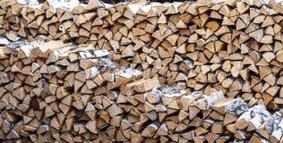 Abedul de madera maravillosamente doblado de la pila Imagen de archivo