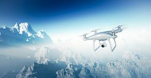 Abejón blanco de Matte Generic Design Modern RC de la foto con el vuelo de la cámara en cielo bajo superficie de tierra Barranca  Fotografía de archivo libre de regalías