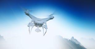 Abejón blanco del control de Matte Generic Design Modern Remote de la foto con el vuelo de la cámara en cielo azul bajo superfici Imagen de archivo