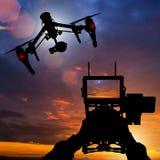 Abejón con el vuelo de la cámara 4K fotografía de archivo libre de regalías
