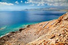 Abeja-jardín cerca del mar Foto de archivo libre de regalías