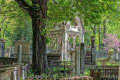 Abelard och Heloise gravvalv i Paris i den historiska Pere Lachaise Cemetery Arkivfoto
