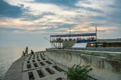 Abend auf der Küste der Berdyansk-Bucht Lizenzfreie Stockfotografie
