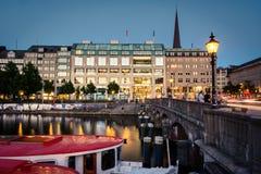 Abend bei Jungfernstieg, Hamburg Lizenzfreies Stockfoto