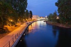 Abend in Brda-Fluss in Bydgoszcz Stockbild