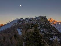 Abend in den Alpen Stockfotos