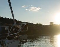 Abend in einem Jachthafen in einem kroatischen Dorf Stockfotografie