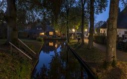 Abend in Giethoorn im Herbst Stockbild