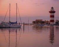 Abend am Harbortown-Leuchtturm lizenzfreie stockfotos