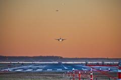 Abend-Hauptverkehrszeit am Flughafen Lizenzfreie Stockfotos