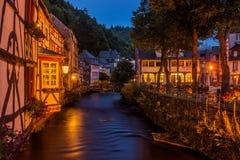 Abend in Monschau, Deutschland Lizenzfreie Stockbilder