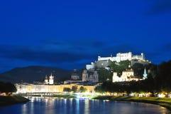 Abend Salzburg, Österreich stockbilder