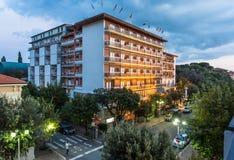Abendansicht über die Straßen von Montecatini Stockbild