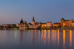Abendansicht der belichteten alten Stadt Prag, Tschechische Republik Stockbild