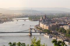 Abendansicht der Parlaments- und Plagestadt Herrliches Frühlingsstadtbild von Budapest Stockbild