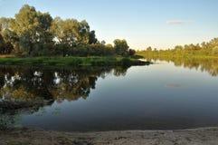 Abendansicht des Flusses Desna Lizenzfreie Stockfotografie