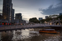 Abendansicht des Singapurs Rive Lizenzfreie Stockfotografie