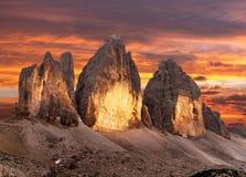 Abendansicht von Drei Zinnen oder von Tre Cime di Lavaredo Stockfotos