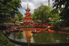 Abendansicht von Tivoli-Gärten mit chinesischer Pagode Stockbilder