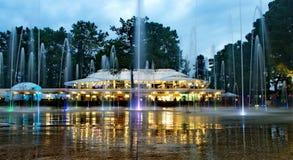 Abendbrunnen in Kobuleti-Quadrat stockfotografie