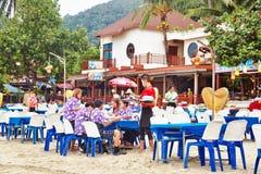 Abendessen auf dem Strand Lizenzfreie Stockfotos