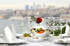 Abendessen beim Bosphorus, Istanbul - die Türkei (Tag SH Stockbild
