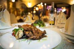 Abendessen an der Gaststätte Lizenzfreies Stockbild