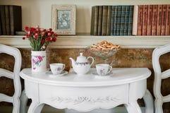 Abendessen-Raum im Luxuxhaus Stockbilder