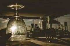 Abendessensatz romantisch für Heiratsdekoration drak Stockbilder