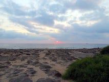 Abendhimmel über der Küste von Zypern Lizenzfreie Stockfotografie