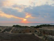 Abendhimmel über der Küste von Zypern Lizenzfreies Stockfoto