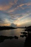 Abendhimmel an riverMaenam Tha Chin, Nakhon Pathom, Thailand Tha Chin Stockbild
