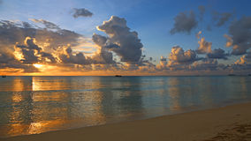 Abendlandschaft auf karibischem Meer Stockfotografie