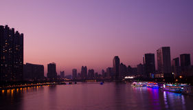 Abendlandschaft von Pearl River in Guangzhou China Stockbilder
