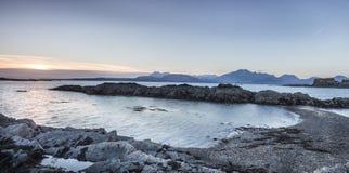 Abendlicht auf Loch Eishort bei Tokavaig auf der Insel von Skye Stockfotografie